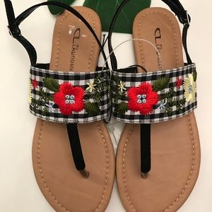 BNWT flower gingham print sandals